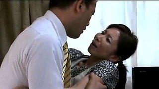 Abandoning pregnant wife, husband secretly fucks wife&#39s mother
