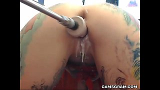 Flirtatious Huge Boobs Camgirl Uses A Fuck Machine To Cum Hard