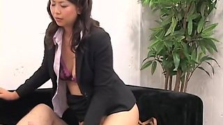 Japanese hottie rides a pecker in hidden cam Asian sex video