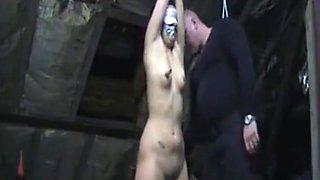 Connecté et puni pour les infractions fermées dans le grenier