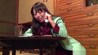 Mature Ryouko Murakami has her hole nailed