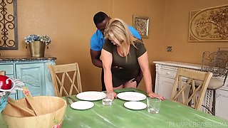 BBW Blonde gets a facial By the BBC
