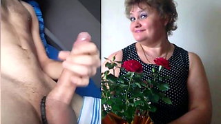 Big young dick pays tribute mature mom
