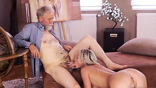 Old mature fucks playmate' compeer and daddy teaches '