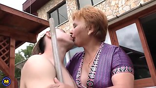 Chubby Mature Lady Doing Her Toyboy In Hd