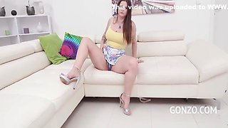 Bubble-bootied Has Her Virgin Gangbang & Its Rough 11 Min With Taylee Wood