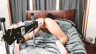 Babe Fucked By Sex Machine For First Time Shaking Orgasm