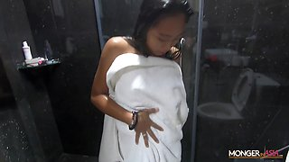 Sexy Filipina maid shows striptease in the shower