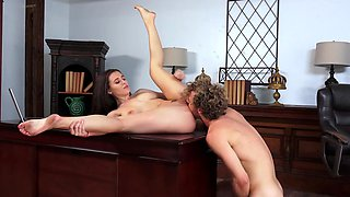 Gorgeous secretary shows that she can be useful at workplace