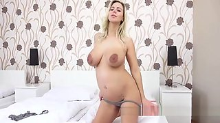 PREGNANT NATHALY MAKES HERSELF CUM WITH A DILDO
