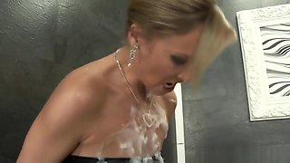 Fetish Babe Masturbates