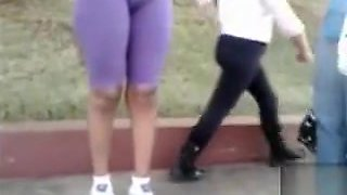 Amateur cameltoe on a chick in workout pants