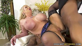 Stepson is watching two black bullies bang his bomb ass mommy Alura Jenson