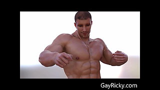 3D Animation Of Muscle Hunk DUNCAN from Gayricky.com