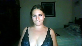 Busty Arab squeezes saggy boobs together and licks nipples