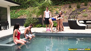 Dana Dearmond and Krissy Lynn seduce a guy for an outdoor threesome