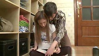Il abuse sexuellement de sa petite copine russe