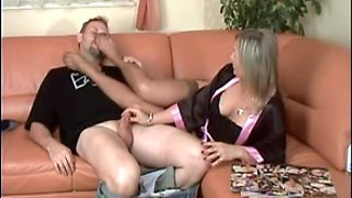 Alluring Mother I'd Like To Fuck Gives HJ NYLON FEET FEMDOM HAWT