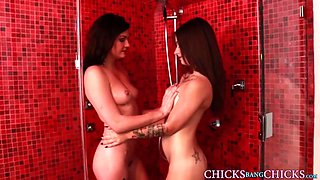 Inked lesbo babe pussy licked after shower fun