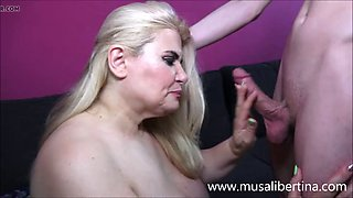 Teenager porn training with busty mom