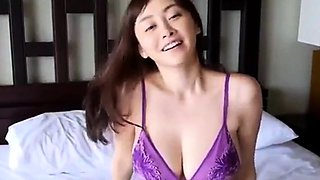 Sweet morning in bed with sexy Japanese woman !!!
