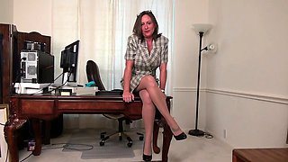 American milf Mary Wana strips off and plays at the office