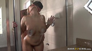 Sexy Mama Gets Fucked In The Shower