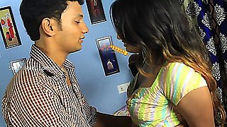 Swathi Nadiu Romantic Time With Her Boy friend