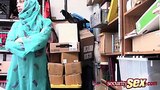 Arab babe sucks cock when caught shoplifting
