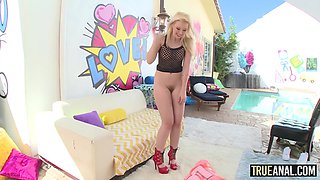 Samantha Rone has her ass gaped!
