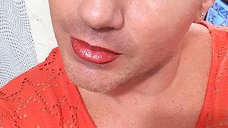 lips and nails crossdresser