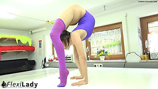 Flexible contortionist alina spandex flex