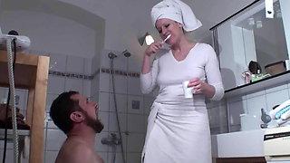 Femdom Ladies humiliate slaves in bath