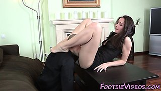 Fetish babe gives footjob