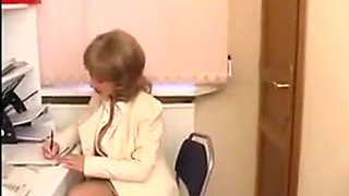 Russian MILF secretary in sexy stockings and miniskirt got fucked by young IT man