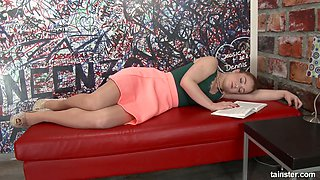Nasty chick Teanna Trump gets messy in the glory hole room