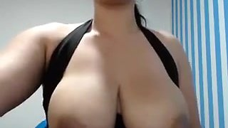 Webcam latina with very big nipples and warm milk