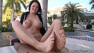 Loni The Smart Girl with Gorgeous Feet