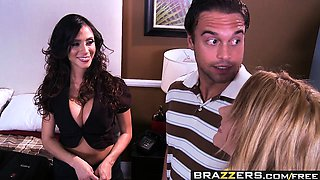 Brazzers - Mommy Got Boobs -  Head and Breakf