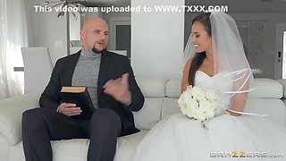 J Mac And Kelsi Monroe - Wonderful Bride Seduces And Fucks The Holy Father