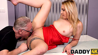 DADDY4K Dazzling blonde cheats on bf with his handsome old dad