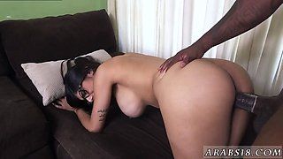 Doctor exam handjob Mia Khalifa Tries A Big Black Dick