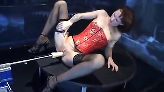 BABE PLAY WITH SEX MACHINE -- mfl