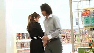 Akari Hoshino Japanese chick enjoys semen