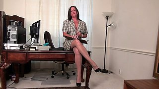 American milf Brandi offers an insight into her life