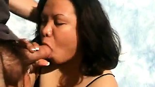Amateur  Asian chubby milf bj