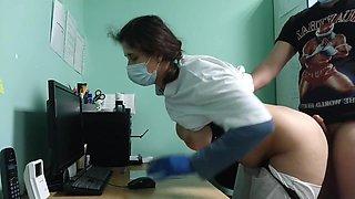 Russisk Porno. Lægen Vækkede Patienten Ved Undersogelse Og Sugede Hans Penis