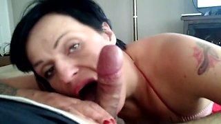 Mature rockabilly punk girl sucking cock for a few dollars