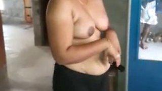 Amateur indian aunty