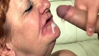 toothless old mom gives best blowjob